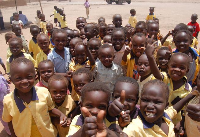 crianças africanas felizes