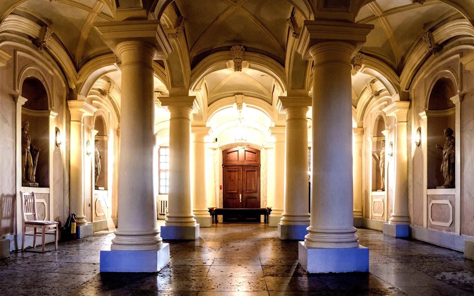 palacio-alexander-menshikov-hermitage