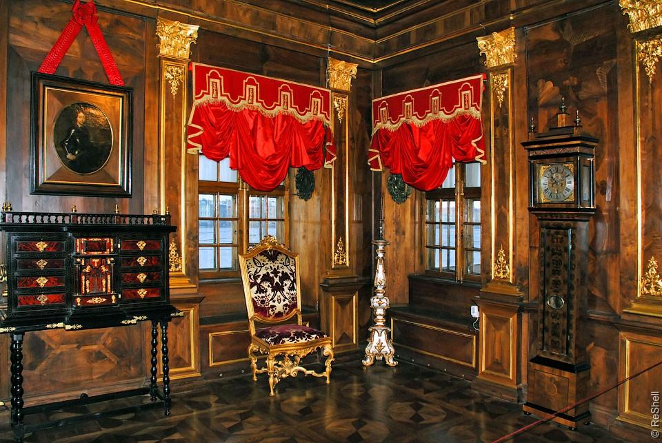 palacio-menshikov-hermitage