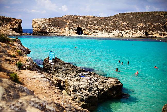 lagoa-azul-ilha-de-comino-malta