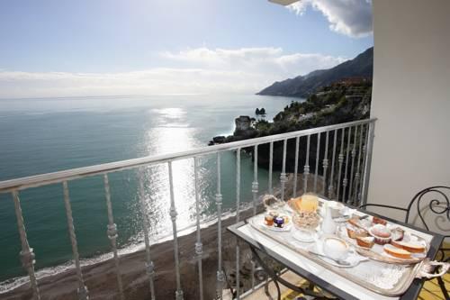 Lloyd's-Baia-Hotel-amalfi-italia