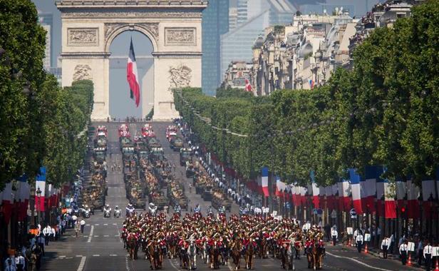 desfile-dia-da-bastilha-paris