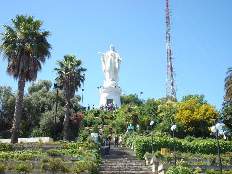 estátua virgem Maria colina de San Cristóbal